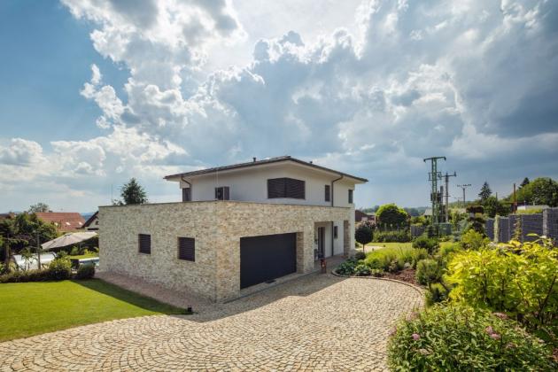 Investor si přál seriózní dům, postavil ho z cihel HELUZ