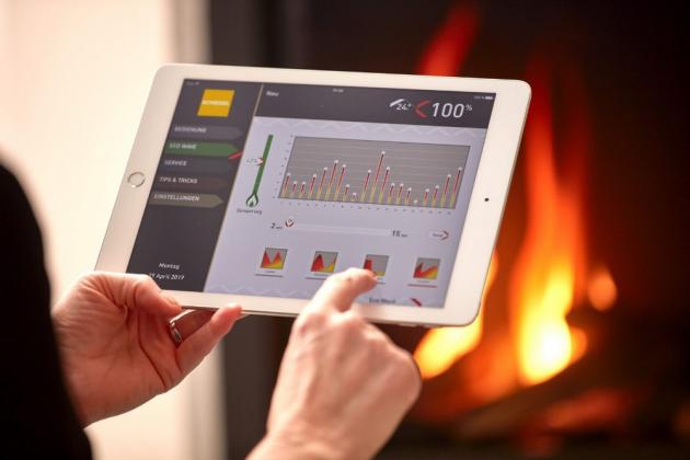 Krbová kamna Kingfire GAS se ovládají pomocí mobilní aplikace