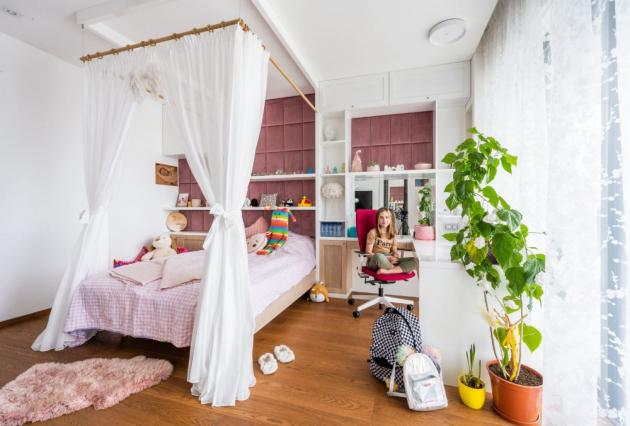 Pokojíky pro dceru a syna jsou nadčasové, to hlavně proto, aby se nemusely za pár let celé předělávat. Jinak jsou ale vybavené podle přání obou sourozenců