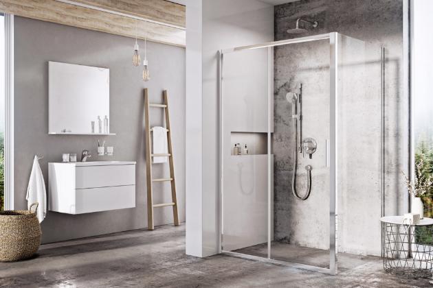 Sprchový kout Blix Slim (Ravak) tvoří dvoudílné posuvné dveře BLSDP2 a pevná stěna BLSPS2, lesklé kovové rámy, bezpečnostní sklo, cena dveří od 7 890 Kč, cena stěny od 4 390 Kč, www.ravak.cz