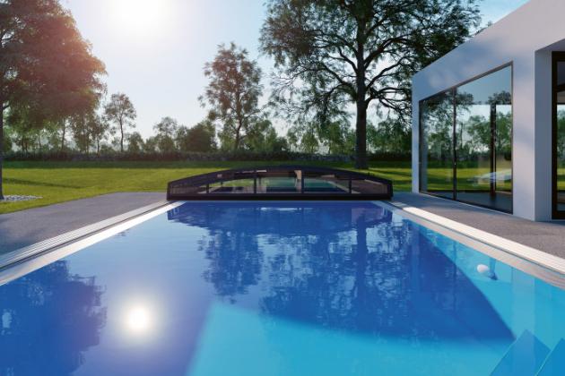 Nenarušený estetický vzhled zahrady a bazén s teplou a čistou vodou bez ohledu na rozmary počasí – takové přednosti přináší nízké bazénové zastřešení Casablanca Infinity (Albixon), www.albixon.cz