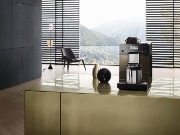 Stále častější možnost práce z domova, důraz na prvotřídní chuť kávy nebo  i ekologické hledisko stojí za čím dál větší oblibou domácích automatických kávovarů na zrnkovou kávu.