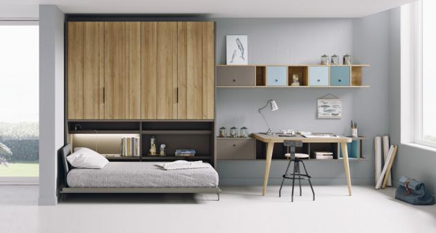 Sestava Reikiavik (Lagrama) se skládá ze skříně se zabudovanou výklopnou postelí, velkého pracovního stolu a množství polic, cena od 144 349 Kč, www.onespace.cz