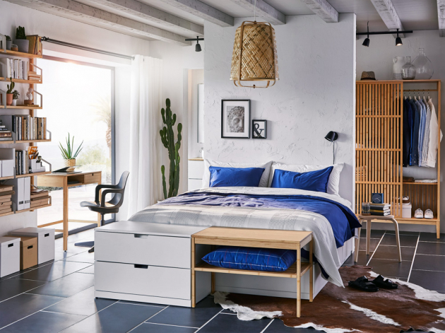 Rám postele Nordli (IKEA) s úložným prostorem s 6 prostornými zásuvkami, 160 × 200 cm, cena 7 999 Kč, www.ikea.cz
