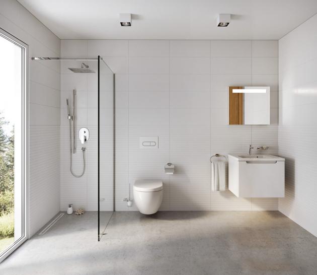 Sprchový kout typu walk in, model Wall (Ravak), několik šířek, výška 200 cm, cena od 10 200 Kč, www.ravak.cz
