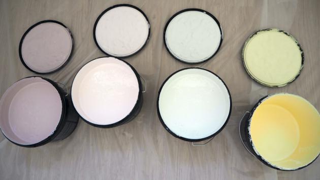 4 pastelové odstíny interiérových barev Primalex Essence: Něžné pohlazení, Čas prázdnin, Slunce vduši a Romantické setkání