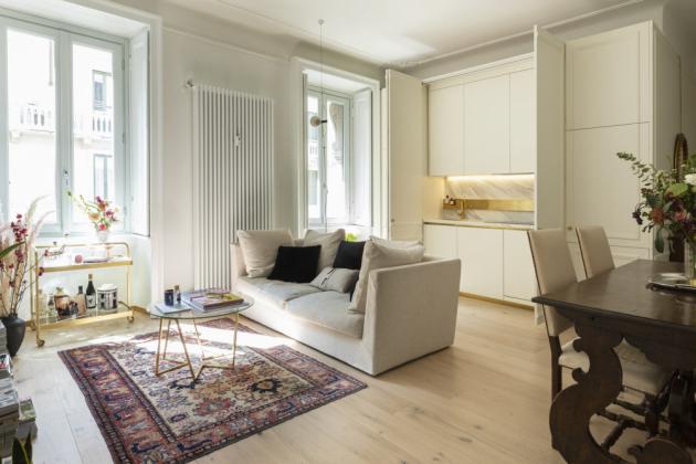 Moje oblíbené části domu jsou obývací pokoj s kuchyní a ložnice s koupelnou a vanou, kde si můžete odpočinout. Někdy uvažuji o tom, že bych chtěla zkusit změnit aranžmá obývacího pokoje umístěním dvou pohovek a přeměnit tento prostor na televizní místnost. Kdo ví? Možná jednou to tak bude.