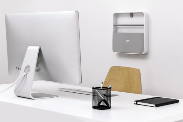 Skříňka na dokumenty (ByLine), plast, 32 × 32 × 6 cm, cena 599 Kč, www.naoko.cz