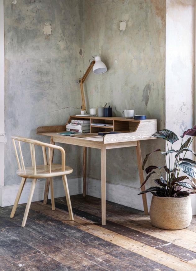 Pracovní stůl Ashwicke Desk (Garden Trading), 60 × 120 cm, výška pracovní plochy 73 cm, celková výška 90 cm, cena 8 760 Kč, www.gardentrading.co.uk