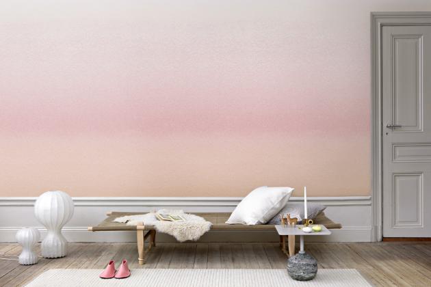 Výraz ombré pochází z francouzštiny a v překladu znamená stínovaný. Různá intenzita zabarvení dodá stěnám a předmětům nevídaný vzhled.