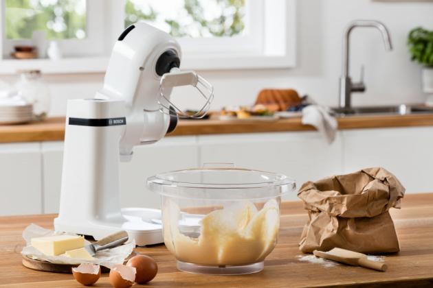 Robot Bosch MUM Serie | 2 je všestranným a prostorově nenáročným pomocníkem, který najde své místo i vté nejmenší kuchyni.